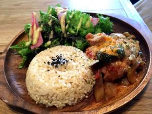 GI値の低い玄米と野菜